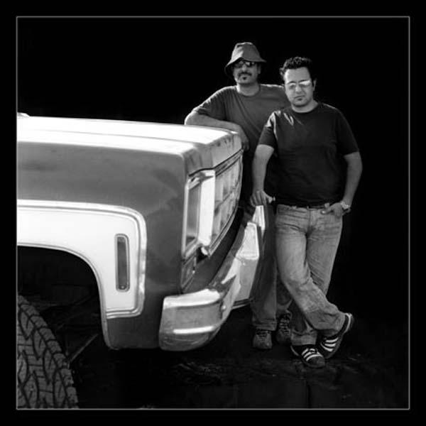 آتلیه صحرایی و راننده های کویر – عکس ۱