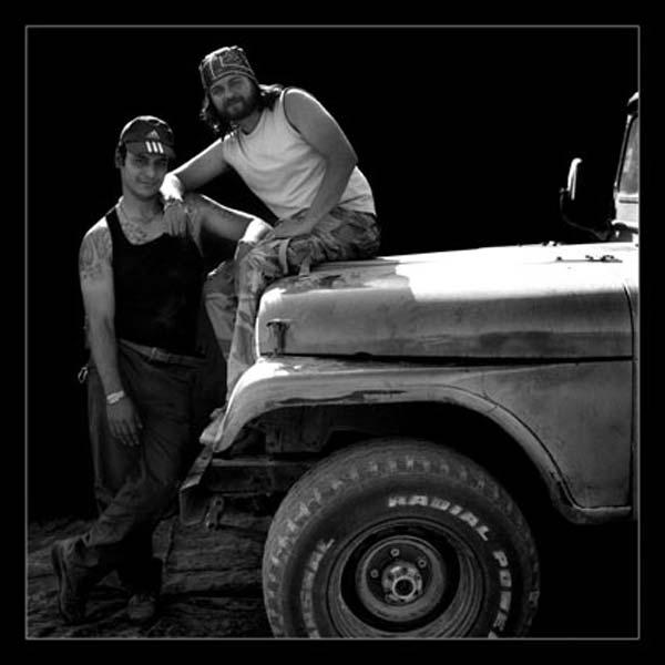 آتلیه صحرایی و راننده های کویر – عکس ۲