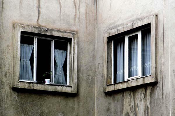 ۱.دو پنجره