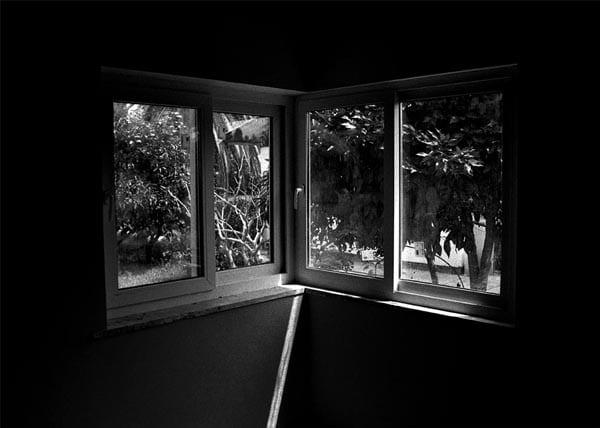 ۲.پنجره