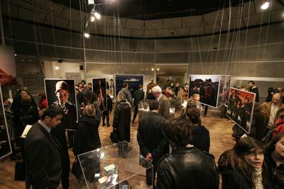 نمایشگاه رضا دقتی در موزه یادبود جنگ