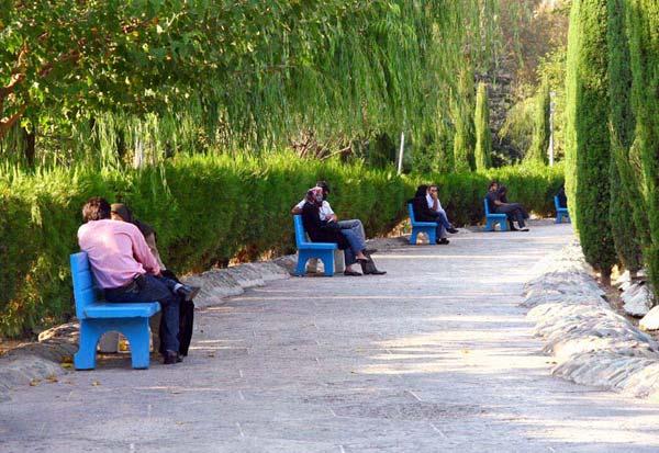 امیرصادقی، پارک لاله،بلوار کشاورز، مهر ۱۳۸۶