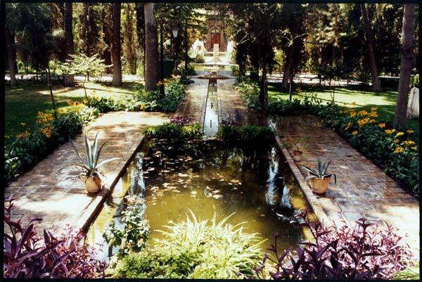 حسن ملکی،باغ نگارستان،خیابان بهارستان،قبل از مترو،تابستان۱۳۸۶