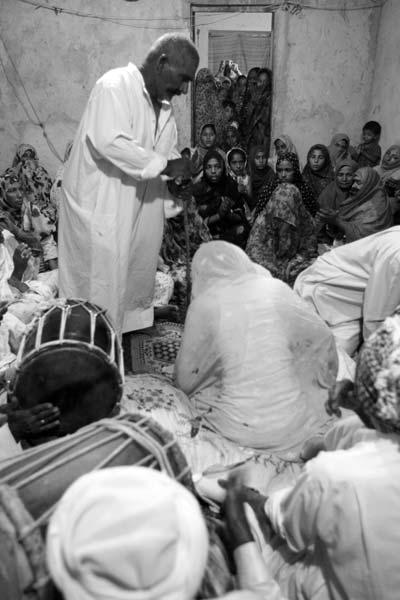 احمد بازماندگان قشمی – عکس ۴