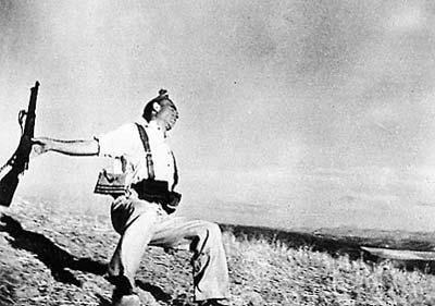 آیا عکس معروف رابرت کاپا ساختگی است؟