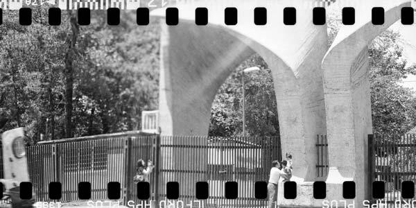 مستندنگاری ناواضح – عکاسی آنالوگ – ۲۵×۵۰ سانتیمتر – ۱۳۸۹ – عکس ۲