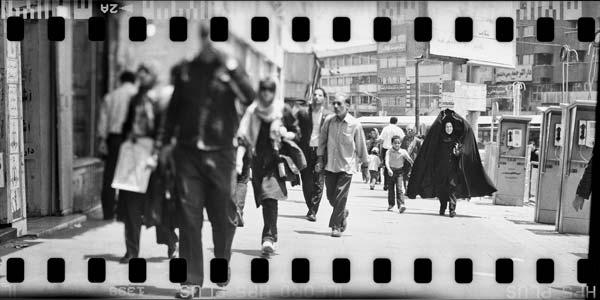 مستندنگاری ناواضح – عکاسی آنالوگ – ۲۵×۵۰ سانتیمتر – ۱۳۸۹ – عکس ۱