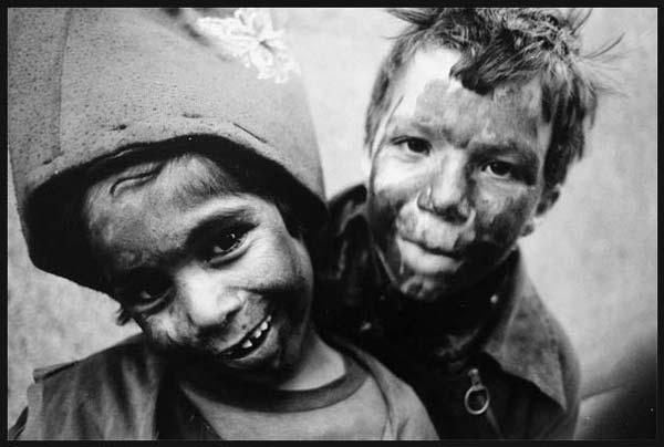 حاجی فیروز – عکاسی آنالوگ – ۳۳×۲۲ سانتیمتر – ۱۳۷۵ – عکس ۲