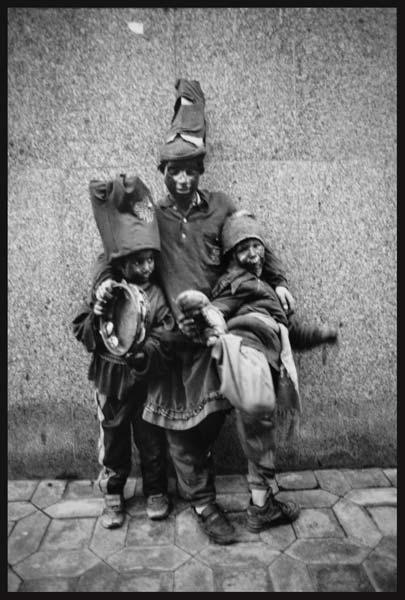 حاجی فیروز – عکاسی آنالوگ – ۳۳×۲۲ سانتیمتر – ۱۳۷۵ – عکس ۴