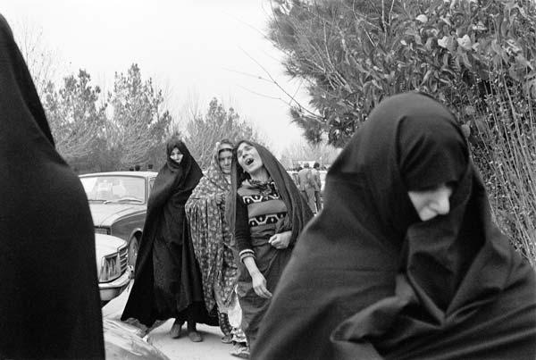 روزهای انقلاب – عکاسی آنالوگ – ۳۶×۲۴ سانتیمتر – ۱۳۵۷ – عکس ۸