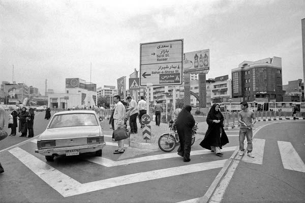 مجموعه مناظر شهری. عکاسی آنالوگ – ۶۰×۴۰ – ۱۳۸۶ – عکس ۸
