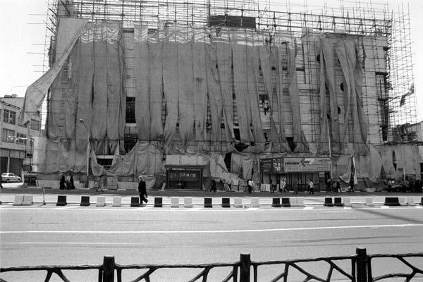 مجموعه مناظر شهری. عکاسی آنالوگ – ۶۰×۴۰ – ۱۳۸۶ – عکس ۳