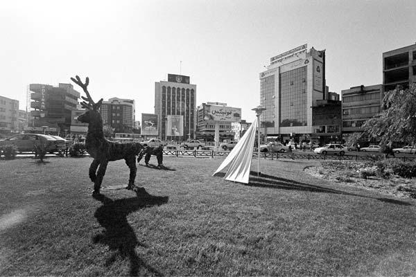 مجموعه مناظر شهری. عکاسی آنالوگ – ۶۰×۴۰ – ۱۳۸۶ – عکس ۷