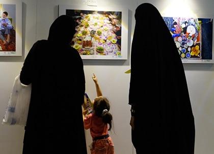 نمایشگاه عکس سفرههای افطاری در موزه دفاع مقدس