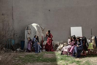 نمایشگاه تهمینه منزوی در شعبهٔ دوم گالری راه ابریشم