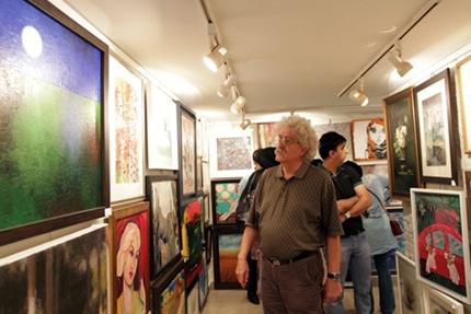 افتتاح نمایشگاه «صد اثر، صد هنرمند» در گالری گلستان