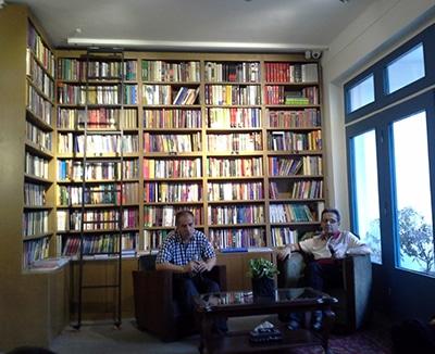 گزارش شب «کاوه میرعباسی» در کتابفروشی «هنوز»