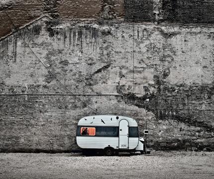 نگاهی به عکسهای TAMAS DEZSO؛ شهر خاموش