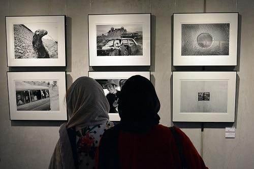 از جعفر پناهی تا کاوه گلستان در نمایشگاهی به یاد کیارستمی