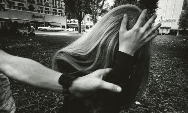 برخورد با عکاسی در فضای عمومی: مسألهی دیرین عکاسی خیابانی، قوانین ناکارآمد و راه حل فرهنگی