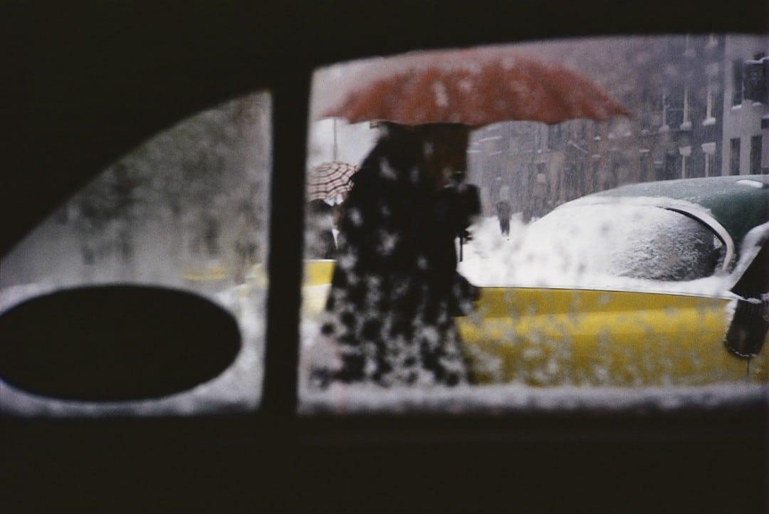 سل لایتر: چرا عکاسی خیابانی رنگی او برای دهها سال مخفی ماند؟