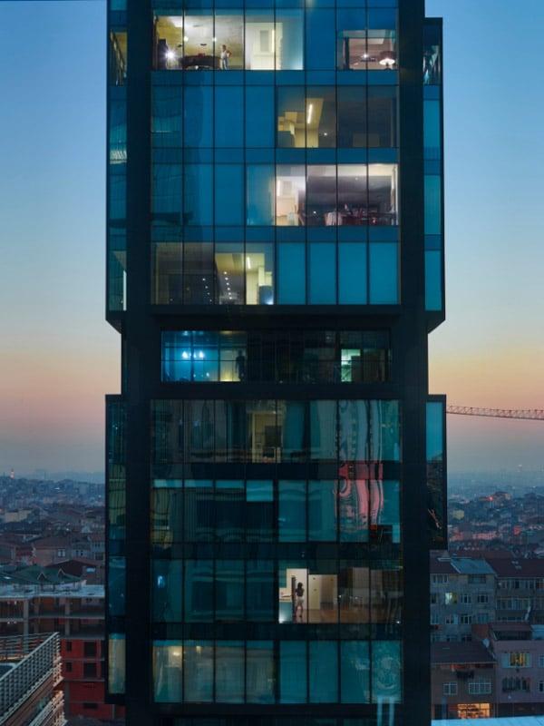 گیل آلبرت هلبان. استانبول، از مجموعهی «بیرون پنجرهام»