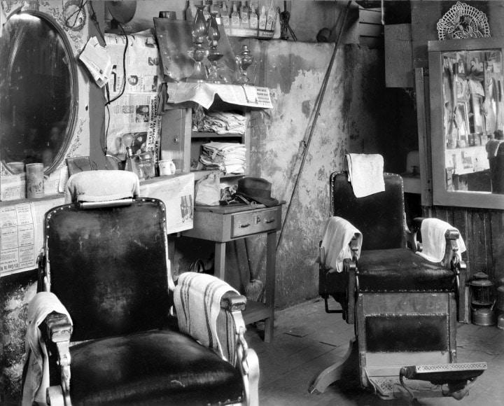 واکر اونز. مغازه سلمانی یک سیاهپوست، آتلانتا، 1936