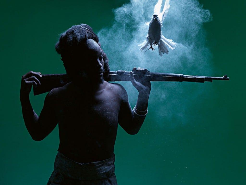 Mohau Modisakeng. از مجموعهی «دیتائولا»، 2014