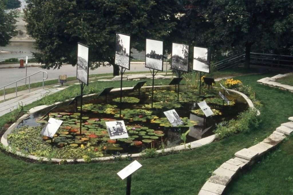 شکل 3. ران بنر. «آنچنان که کلاغ پرواز میکند»، موزه لندن، لندن، اونتاریو، کانادا، ۲۰۰۵