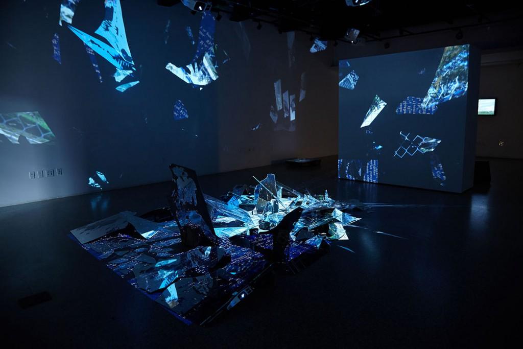 شکل 8. محمد امین نادی. «گام زدن در خاطرات» (Walking through Memories)، گالری سوکا، وینزر، اونتاریو، کانادا، ۲۰۱۸