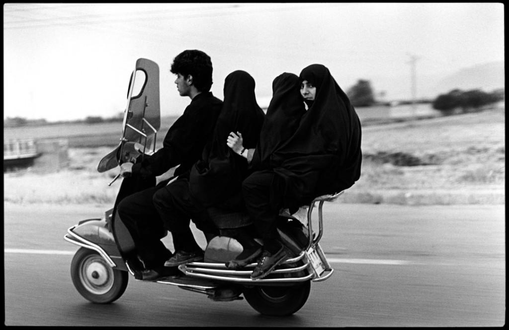 عباس عطار. موتورسواران، شهر ری، 1997