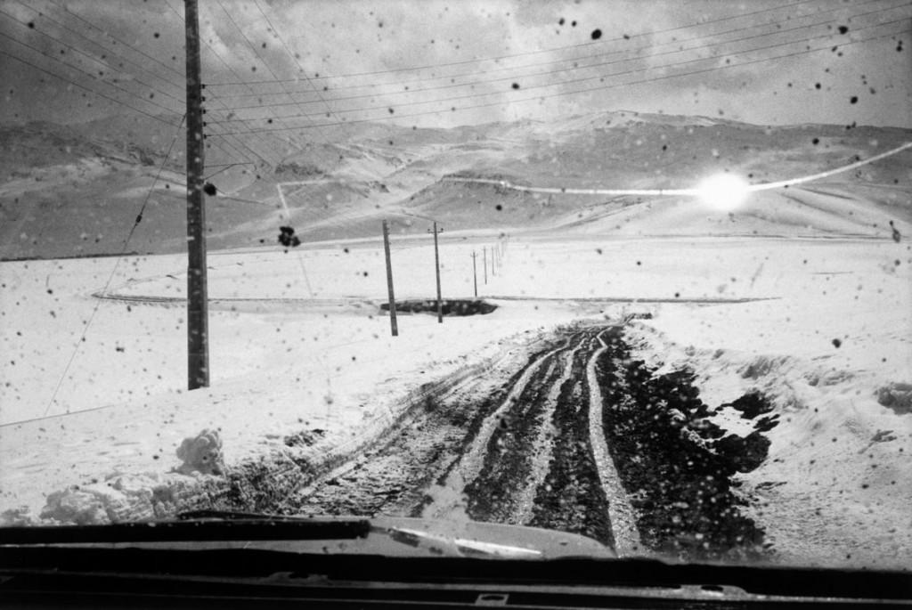 عباس عطار. جاده برفی، استان گلستان، 2001