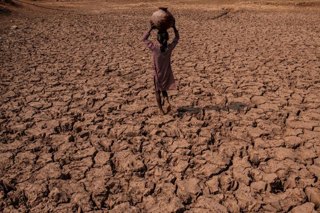 Bryan Denton. از مجموعهی Drought and Deluge in India