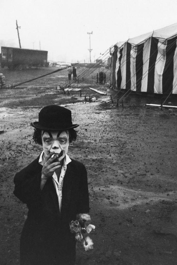بروس دیویدسن. جیمی با سیگار و گل، 1958