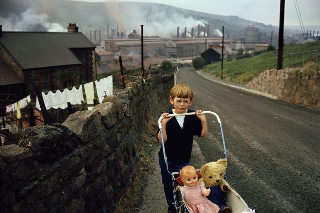 بروس دیویدسن. ولز، 1965