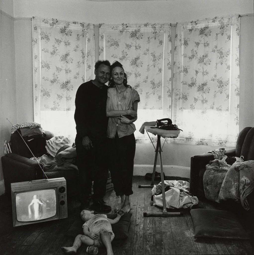 بروس دیویدسن. صیاد موش آبی، نیوجرسی، از مجموعهی «خیابان صدم شرقی»، نیویورک، بین 1966 – 1968