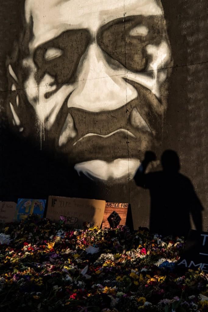 Salwan Georges از واشینگتن پست. محل یادبود در جایی که جورج فلوید کشته شد.مینیاپلیس، مینسوتا، 7 ژوئن 2020