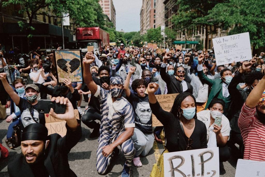 Simbarashe Cha از نیویورک تایمز. معترضان در هارلم، نیویورک، 4 ژوئن 2020