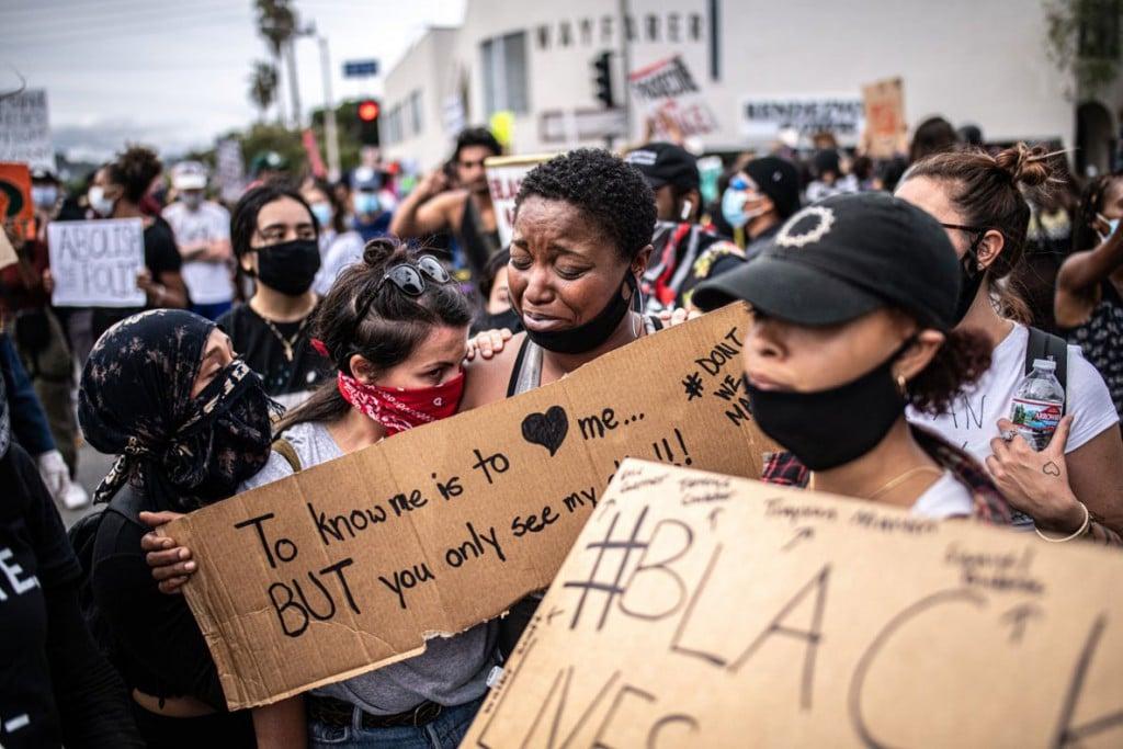 Bryan Denton از نیویورک تایمز. همدلی معترضان، لسآنجلس غربی، کلیفرنیا، 30 می 2020
