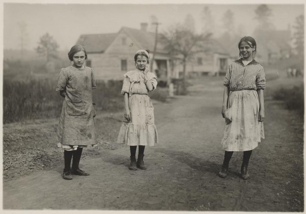 لوئیس هاین. سه کارگر جوان در کارخانه نخریسی کاسیاسکو، میسیسیپی، نوامبر 1913
