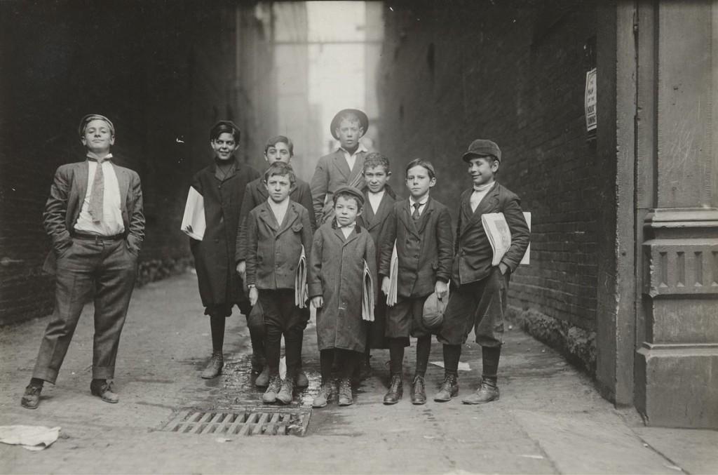 لوئیس هاین. گروهی از روزنامهفروشان نشویل، تنسی، 1910