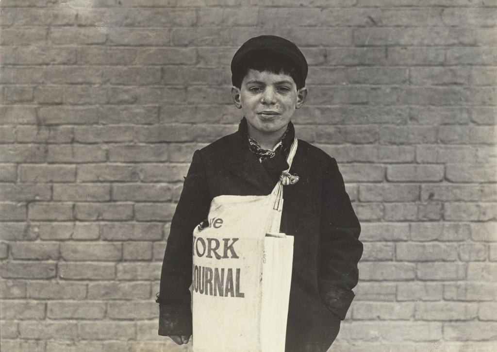 لوئیس هاین. تونی کاساله، روزنامهفروش، هارتفرد، کنتیکت، مارس 1909