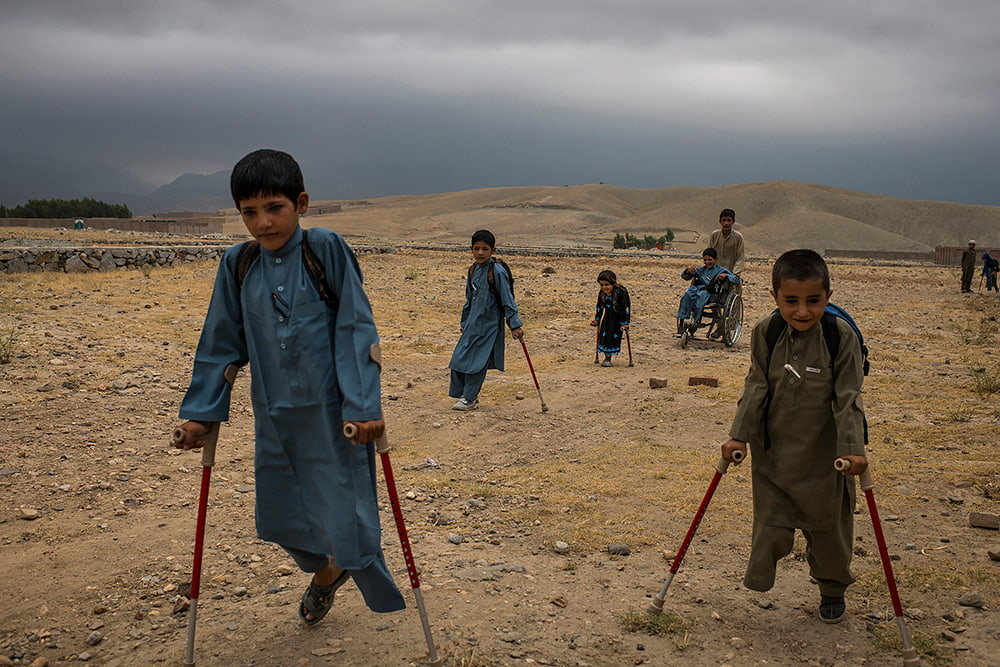 Andrew Quilty از استرالیا. از مجموعهی «افغانستان: هیچ مدالی برای شجاعت نیست». رتبه دوم مسابقه عکس سال یونیسف 2019