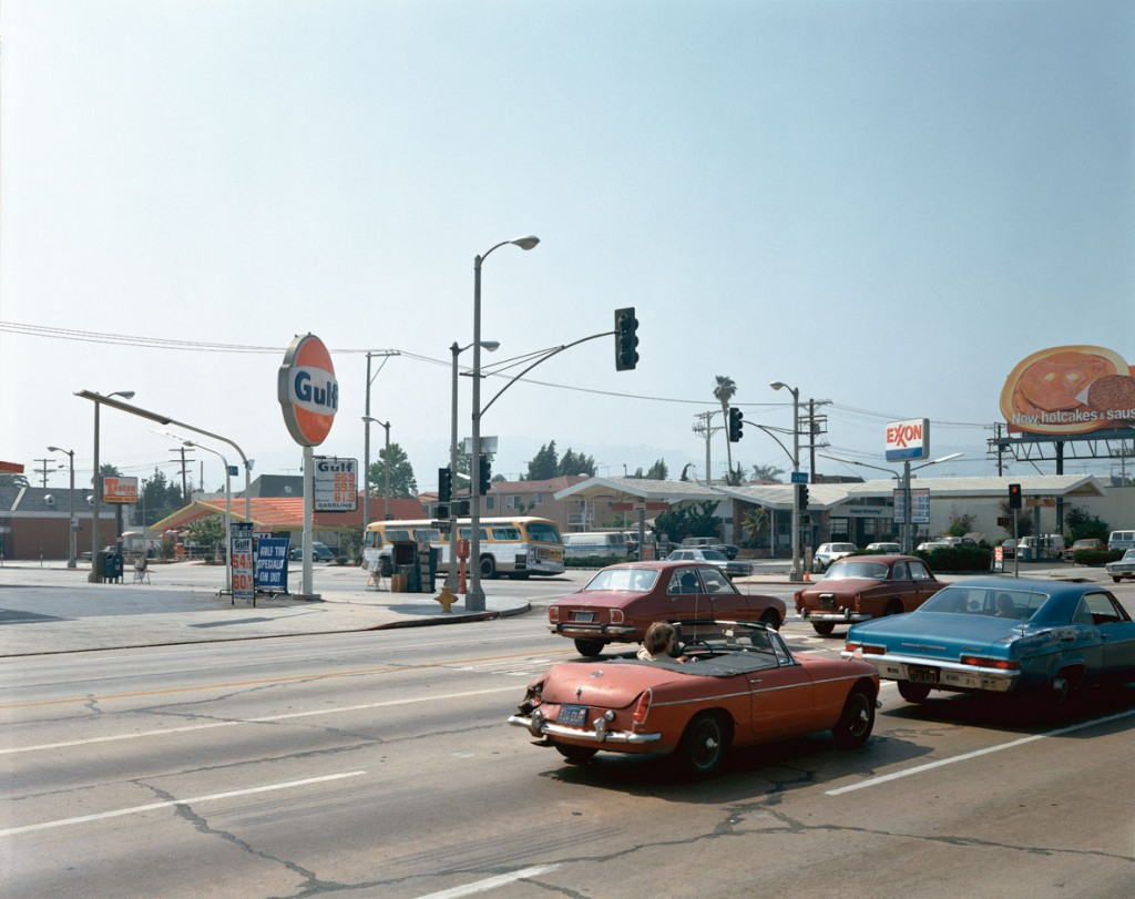 استیون شر. بلوار بِوِرلی و خیابان لابریا، لسآنجلس، کلیفرنیا، 22 ژوئن 1975
