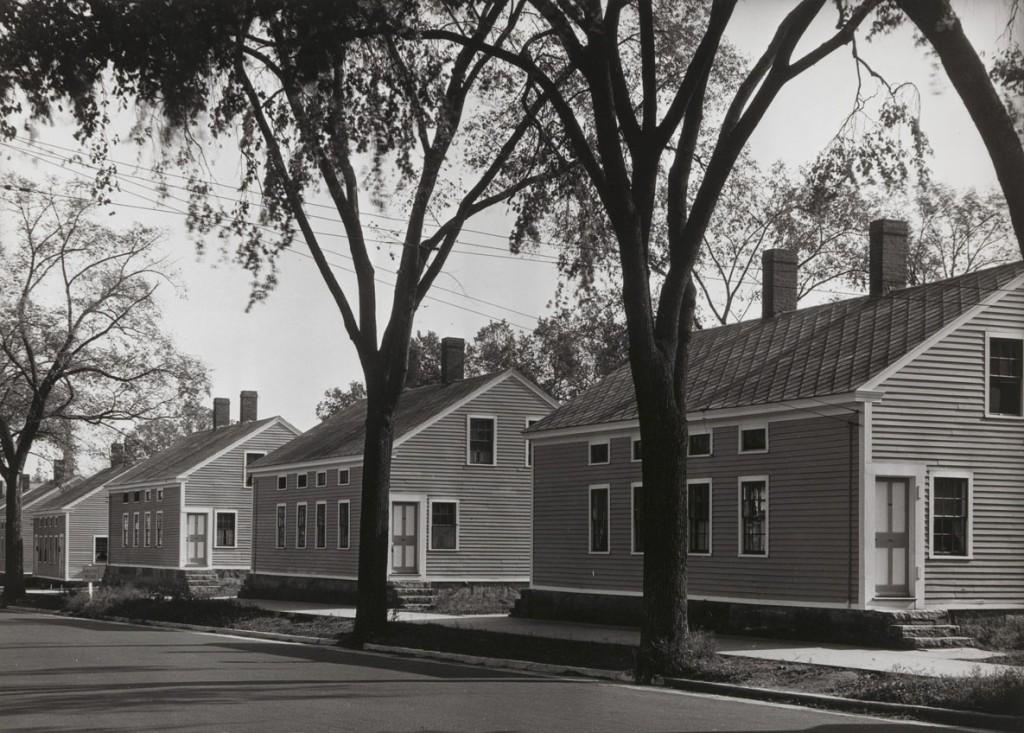 واکر اونز. خانههای کارگران کارخانه، ویلیامنتیک، کنتیکت، 1931