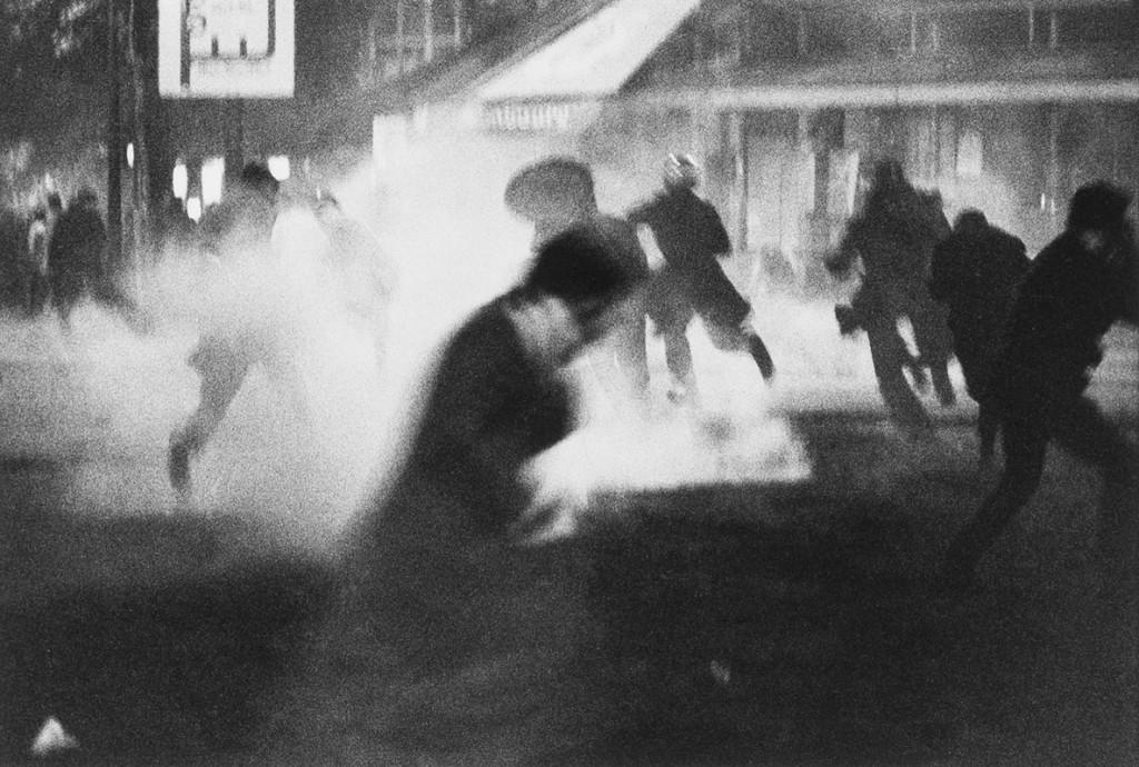 برونو باربی. انفجار گاز اشکآور، پاریس، 1968