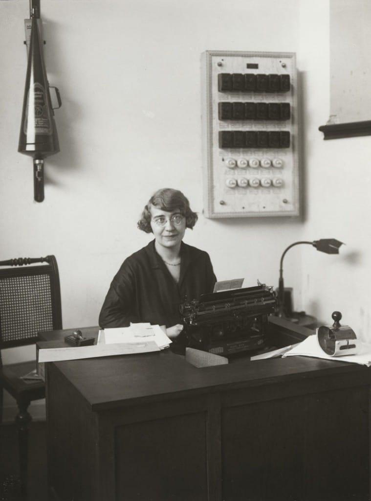 آگوست زاندر. کارمند اداره، 1928