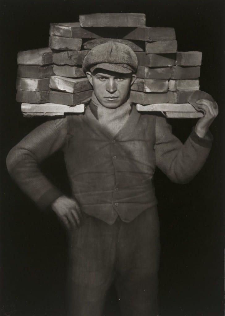 آگوست زاندر. آجرکار، 1928