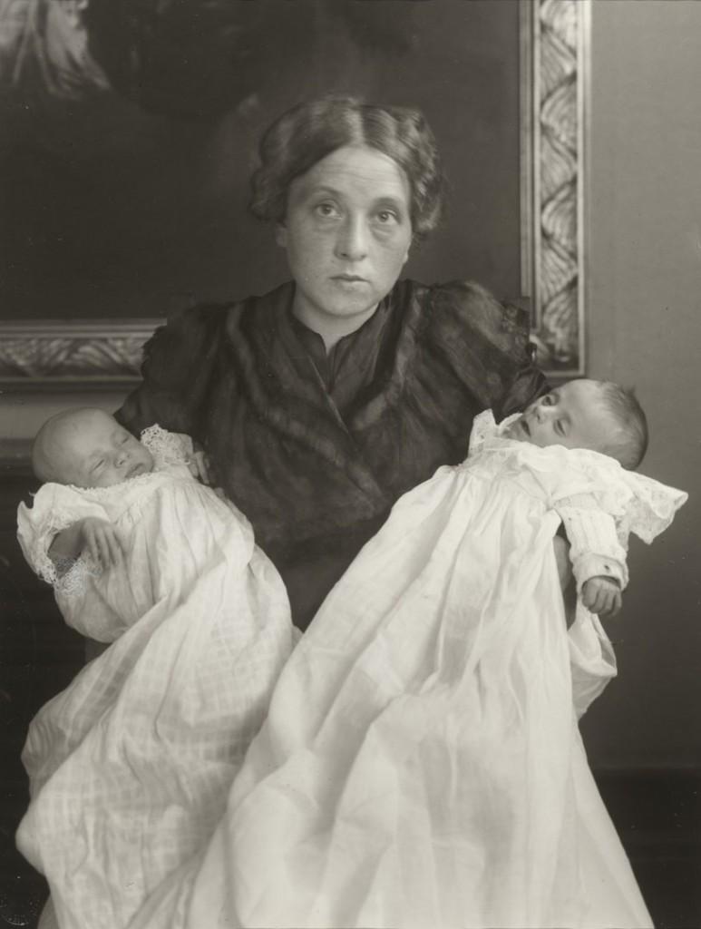 آگوست زاندر. همسرم با شادی  و غم، 1911