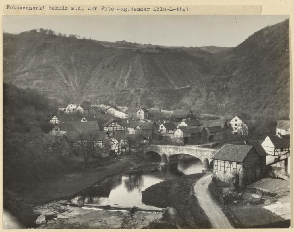 آگوست زاندر. رودخانه Ahr، حوالی 1910 – 1940